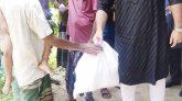 ব্যক্তিগত তহবিল থেকে খাদ্য সামগ্রী বিতরণ করলেন ক্যাপ্টেন ফয়েজ আহমদ উজ্জল
